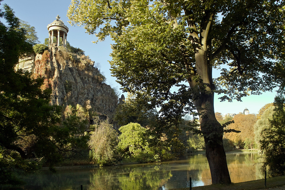 Buttes Chaumont Open on the 1st of May